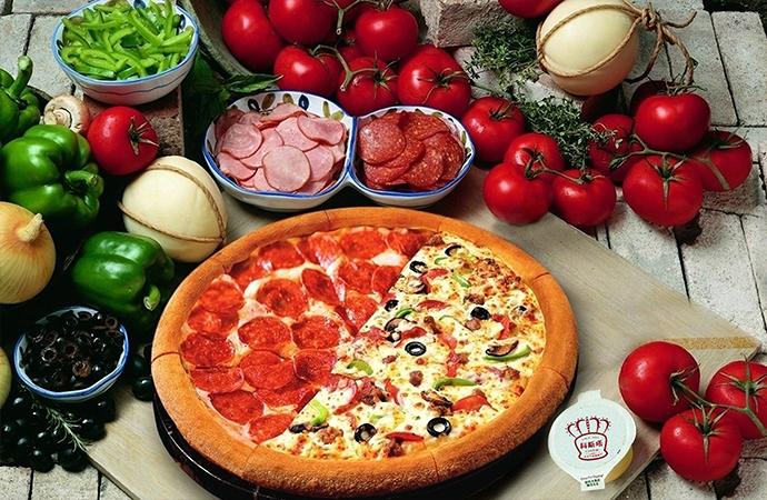 美国腊肠披萨